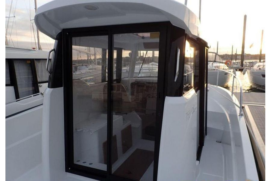 Jeanneau Merry Fisher 755 Marlin - wheelhouse and side deck