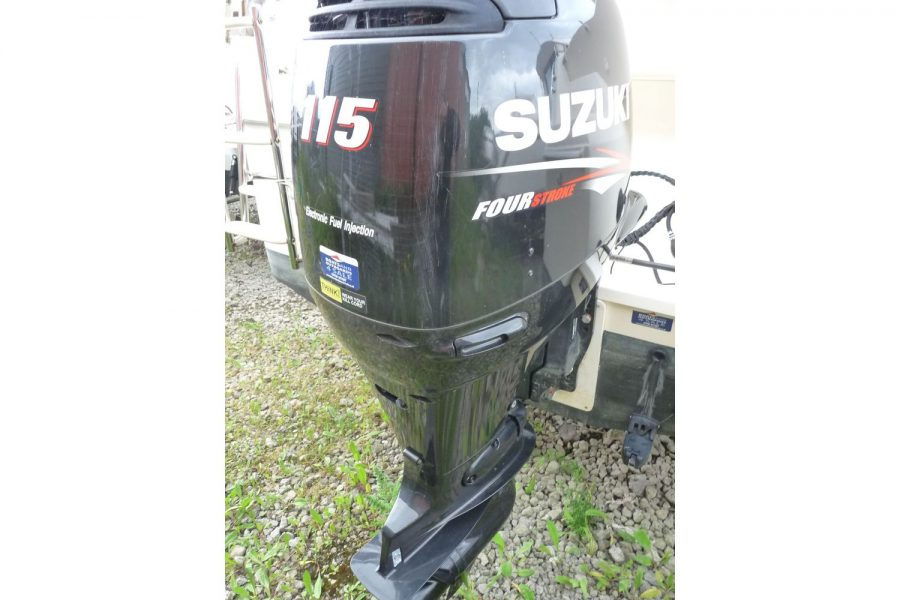 Jeanneau Merry Fisher 645 - with Suzuki 115hp outboard