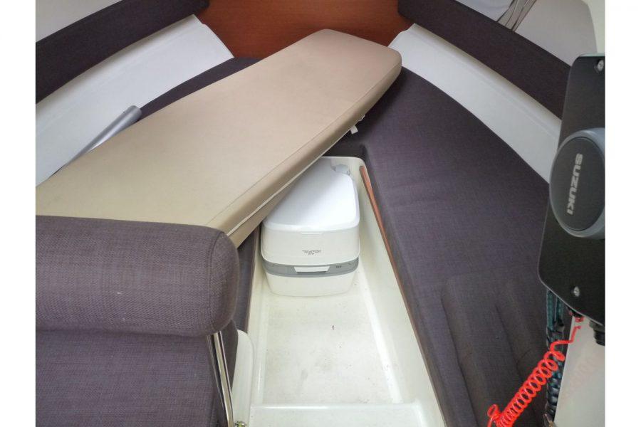 Jeanneau Merry Fisher 645 - 2 berth cabin