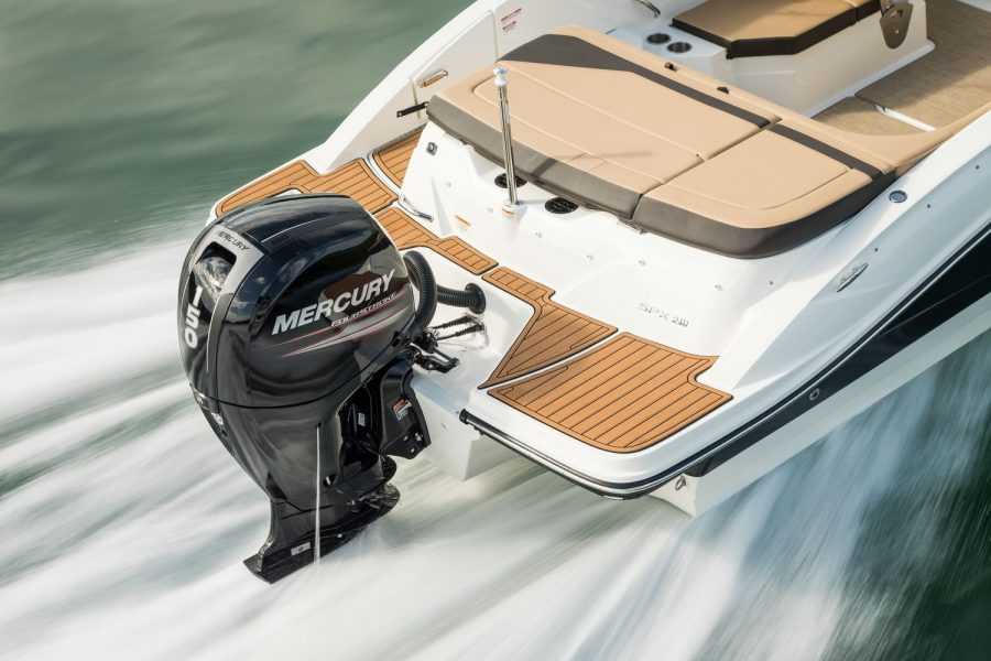 Sea Ray SPX 210 - Mercury 150hp outboard engine