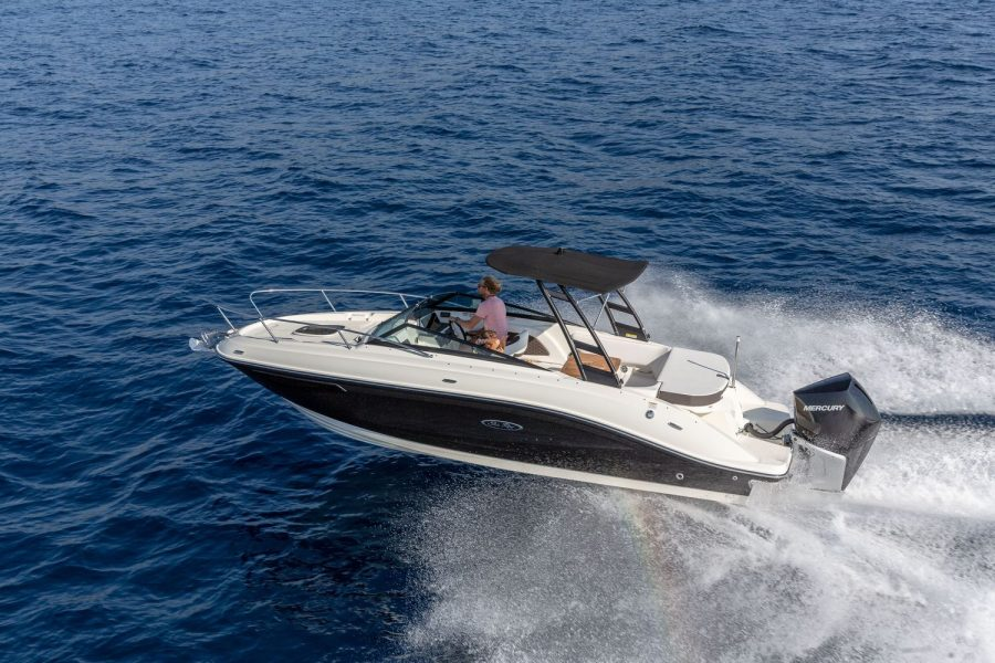 Sea Ray Sun Sport 230 - on the water