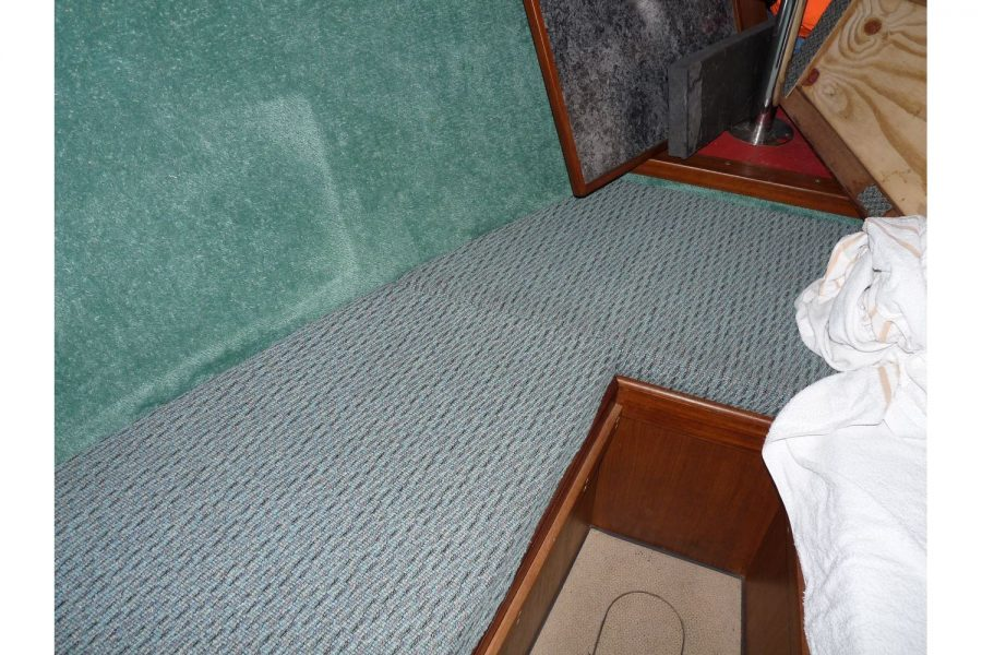 Bounty Boats Starfish 8m - vee berth cabin