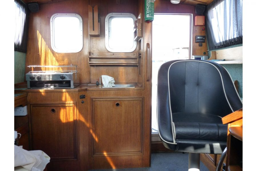 Bounty Boats Starfish 8m - view from wheelhouse