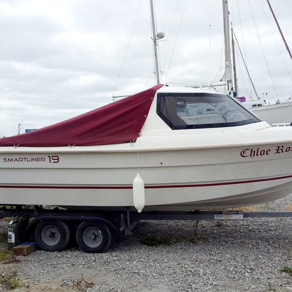 Smartliner 19 fishing boat - with tonneau cover