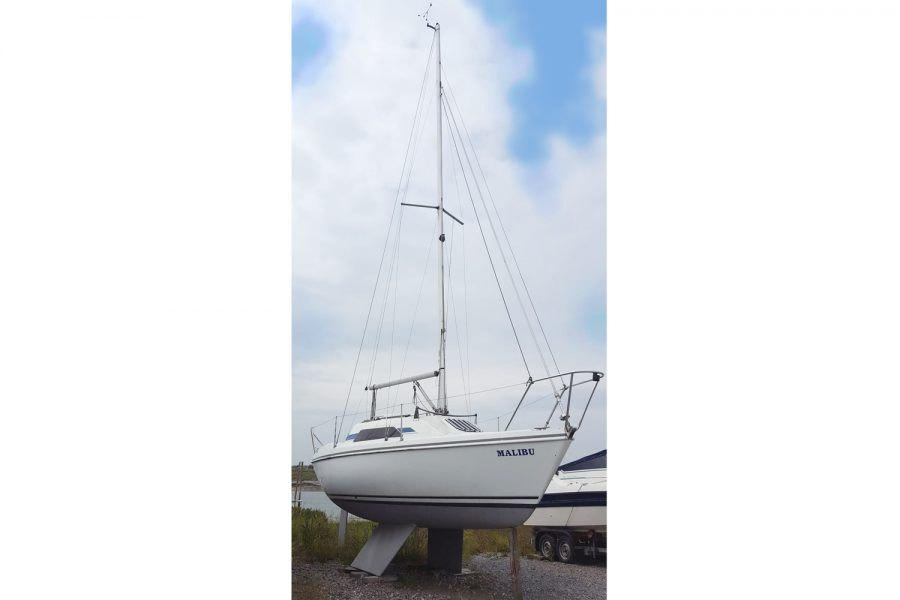 Hunter Horizon 23 Bilge Keel - mast