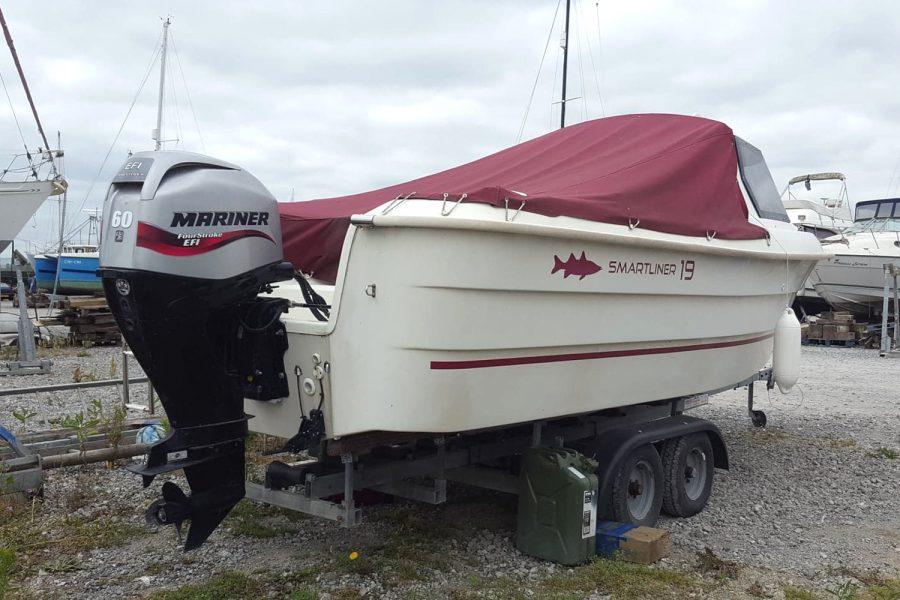 Smartliner 19 fishing boat - transom
