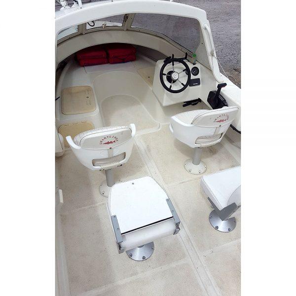 Smartliner 19 fishing boat - cockpit overhead view