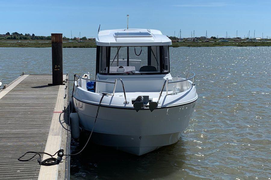 Beneteau Barracuda 7 - bow