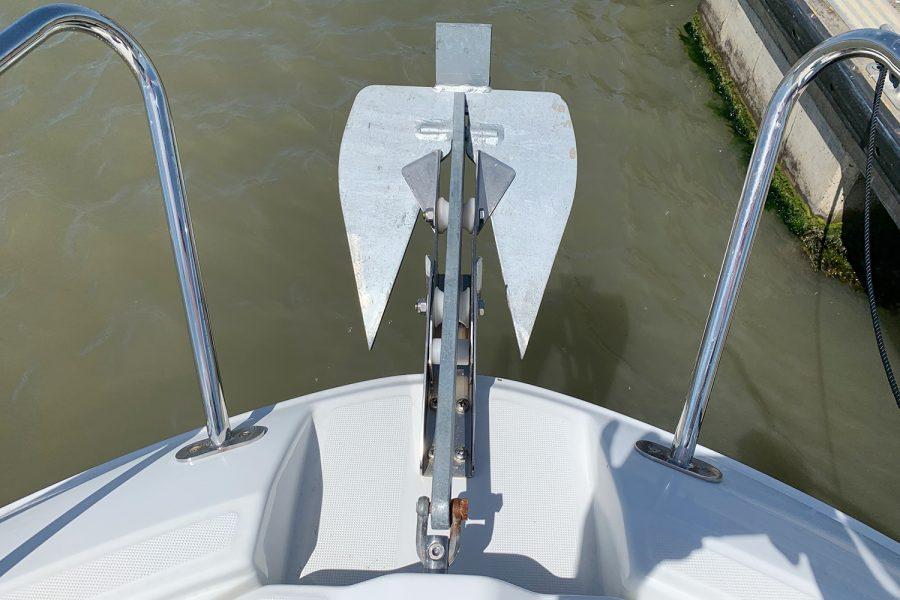Beneteau Barracuda 7 - anchor