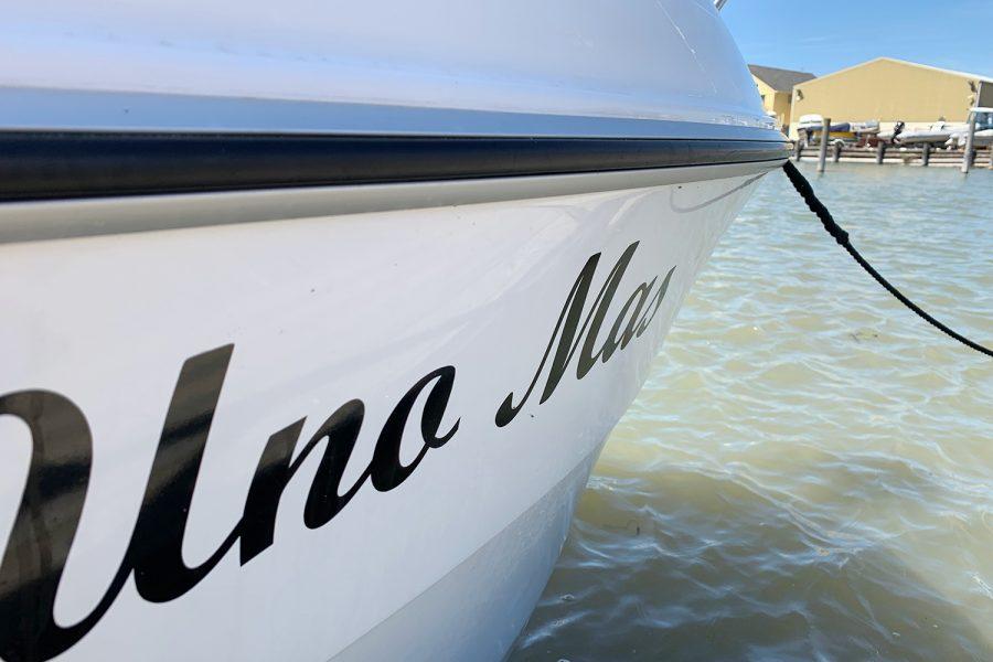 Beneteau Barracuda 7 - named Una Mas on bow