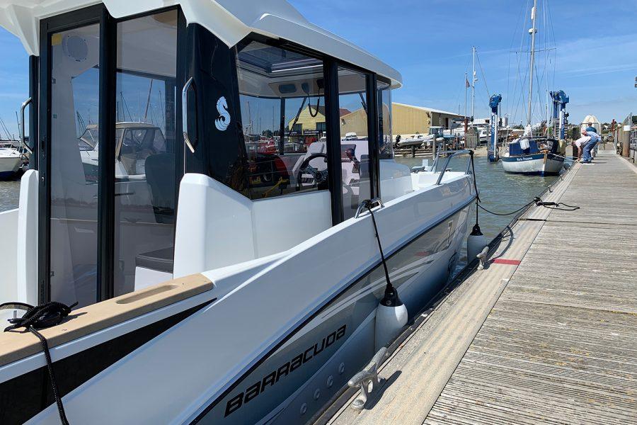 Beneteau Barracuda 7 - starboard side wheelhouse from mooring