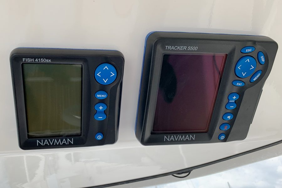 Quicksilver 640 - Navman GPS and fishfinder