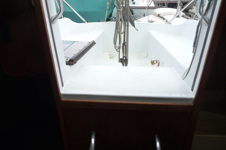 Hunter Horizon 23 Bilge Keel - cockpit