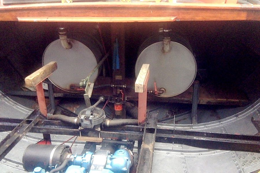 Tjalk 17m Dutch Motor Sailing Barge - stainless steel fuel tanks