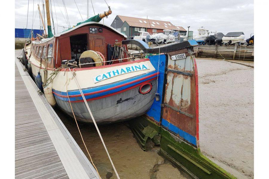 Tjalk 17m Dutch Motor Sailing Barge - transom and rudder