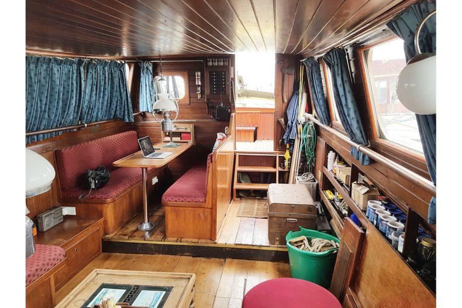 Tjalk 17m Dutch Motor Sailing Barge - saloon