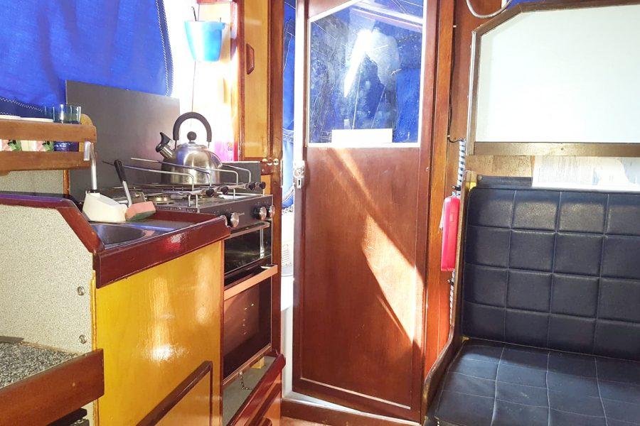 Aquabell 27 cruiser - galley