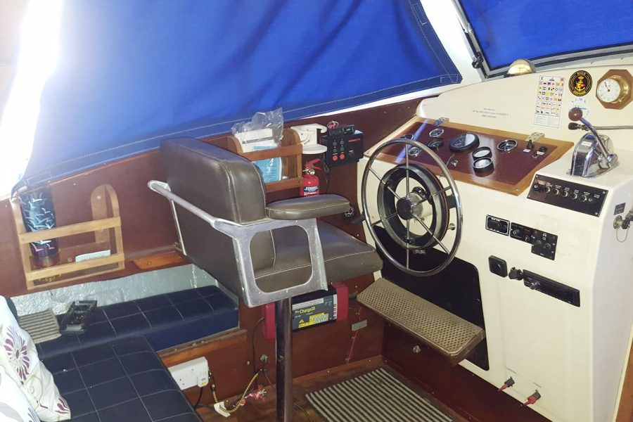 Aquabell 27 cruiser - helm