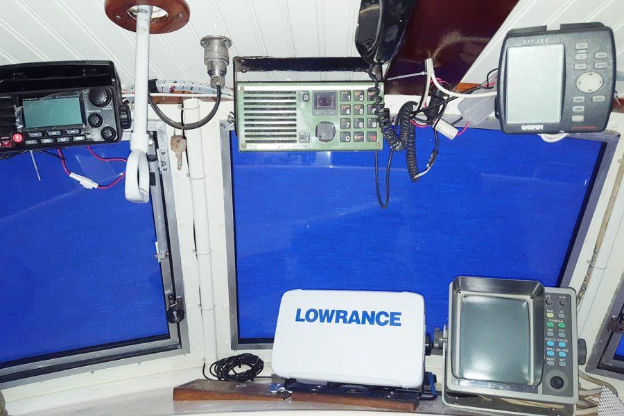 Aquabell 27 cruiser - navigation electronics