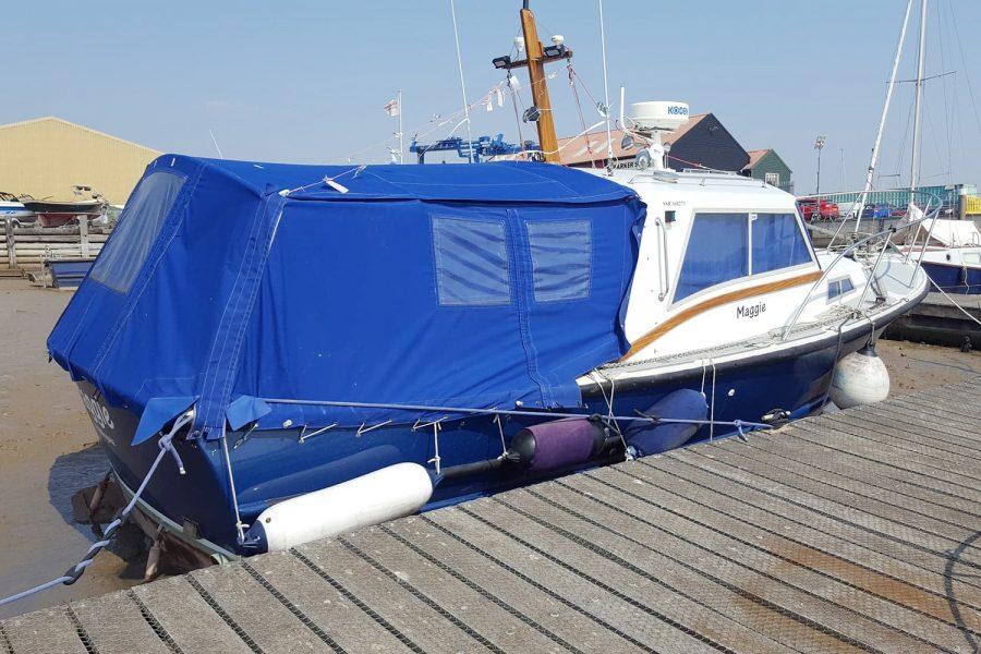 Aquabell 27 cruiser - starboard side