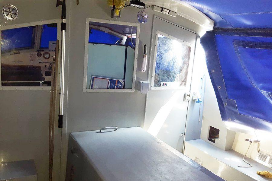 Aquabell 27 cruiser - wheelhouse door