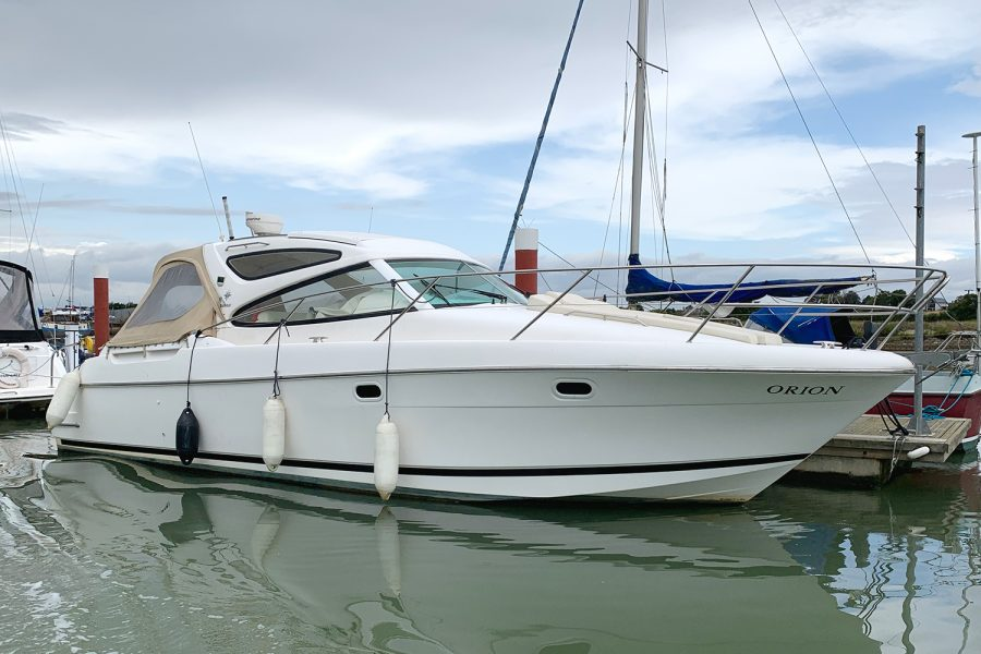 Prestige 34S - Orion - starboard side from bow