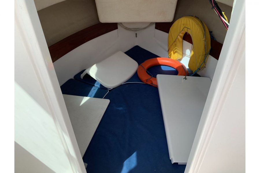 Jeanneau Merry Fisher 580 - double berth cabin