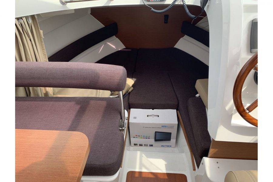 Jeanneau Merry Fisher 645 - Firefly - 2 berth cabin