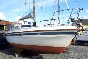 Southerly 28 lifting keel yacht