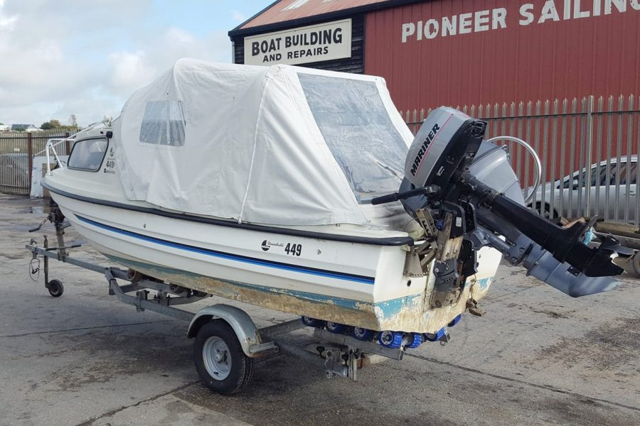 Bonwitco 449c Cabin Cruiser - port side transom