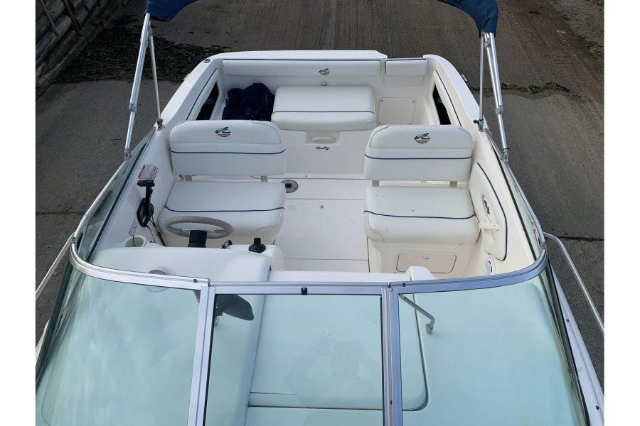 Sea Ray 215 - Ixus - seating overhead view
