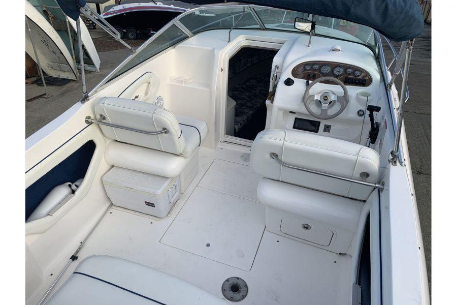 Sea Ray 215 - Ixus - deck towards bow