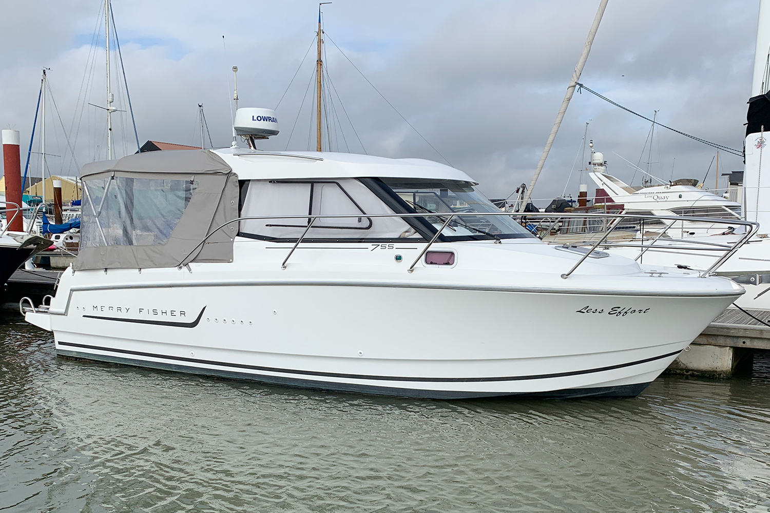 Jeanneau Merry Fisher 755 - on the water