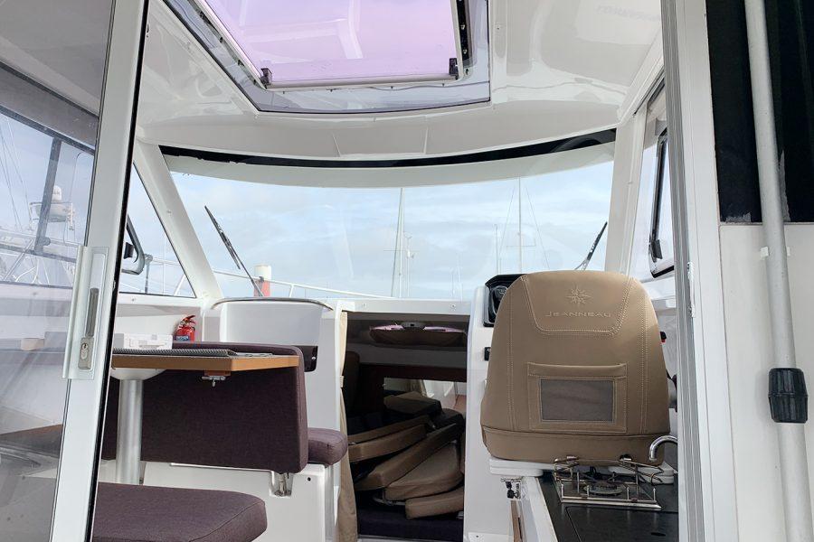 Jeanneau Merry Fisher 755 - wheelhouse galley