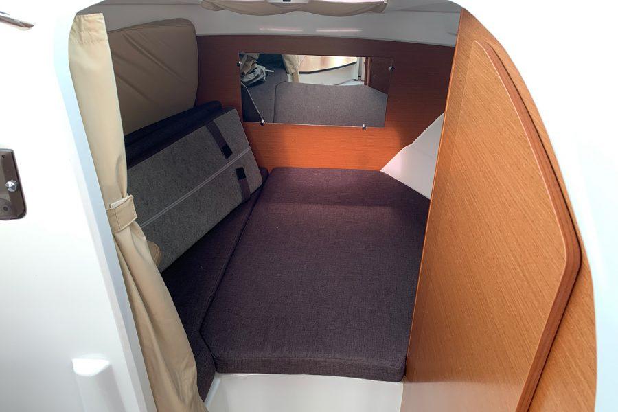 Jeanneau Merry Fisher 755 - cabin