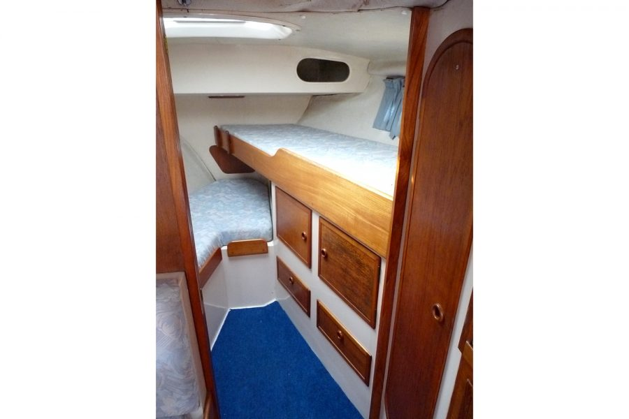 Southerly 28 lifting keel yacht - forward cabin