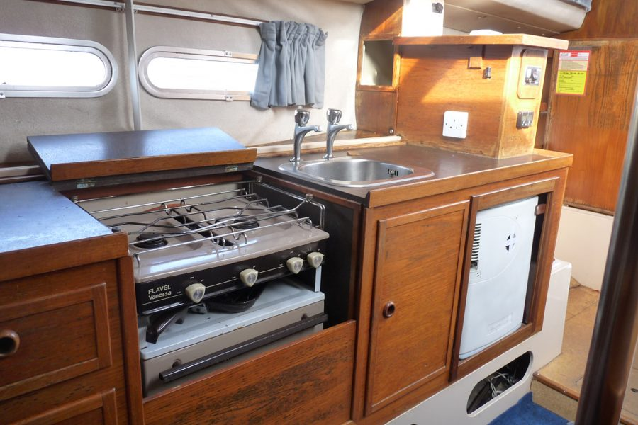 Southerly 28 lifting keel yacht - galley