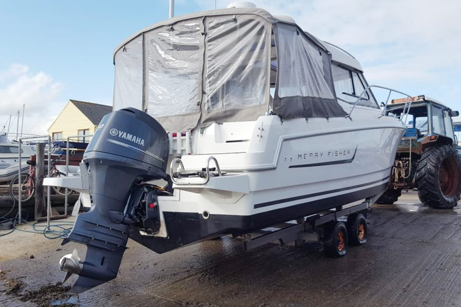 Jeanneau Merry Fisher 755 - aft closing canopy