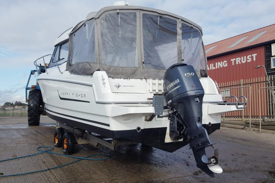 Jeanneau Merry Fisher 755 - aft view