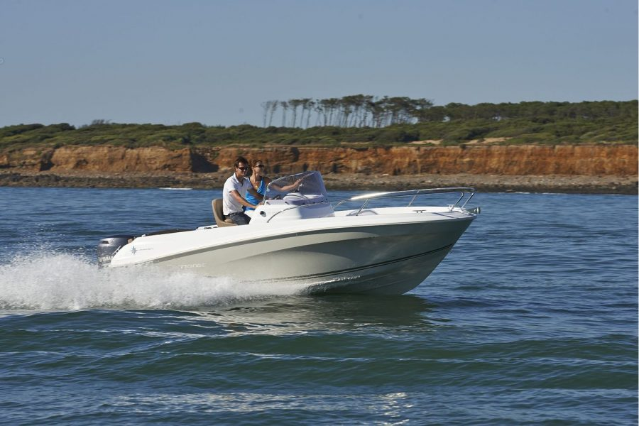 Jeanneau Cap Camarat 5.5 CC - on the water