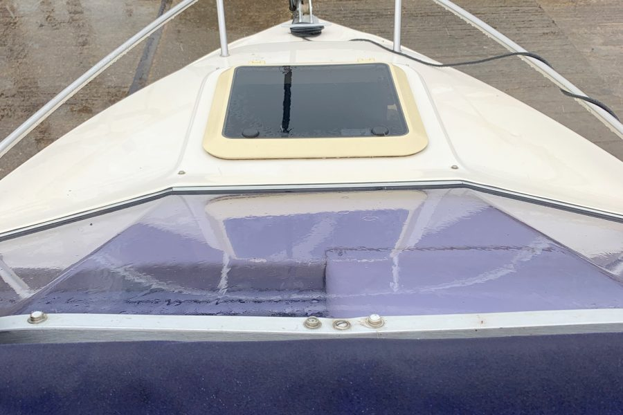 Fletcher Sports Cruiser 18 GTS - bow deck hatch and pulpit