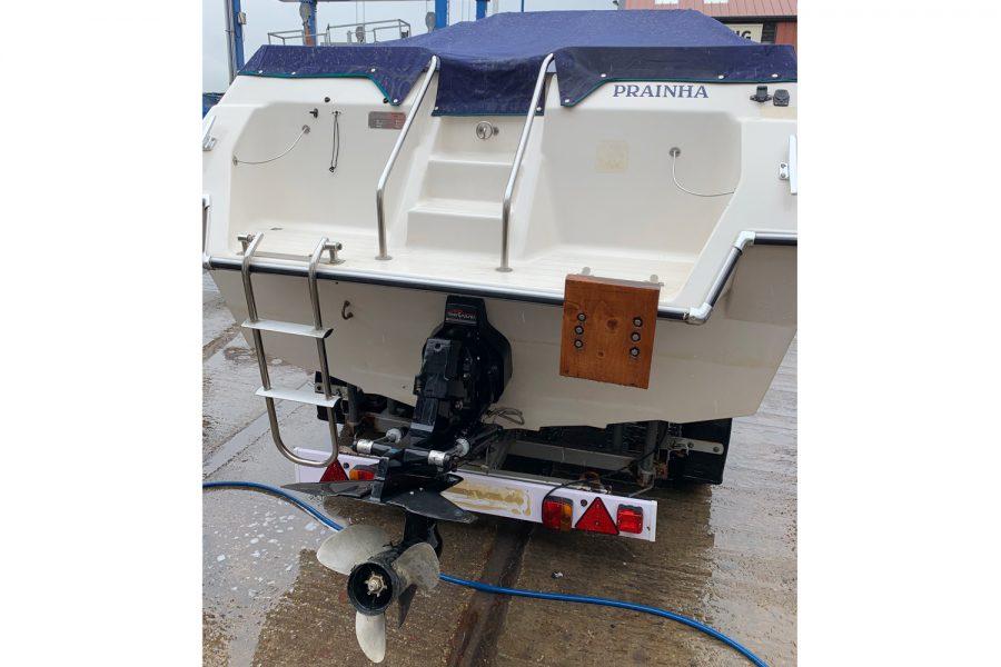 Fletcher Sports Cruiser 18 GTS - transom and sterndrive