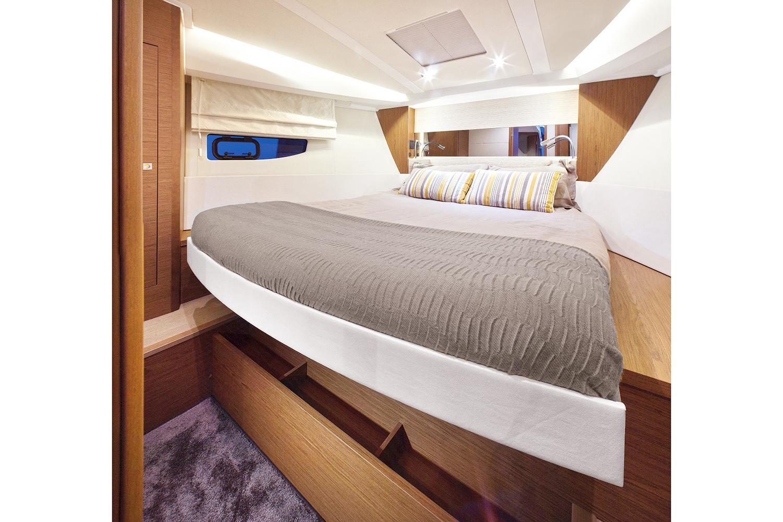 Jeanneau Leader 40 master cabin