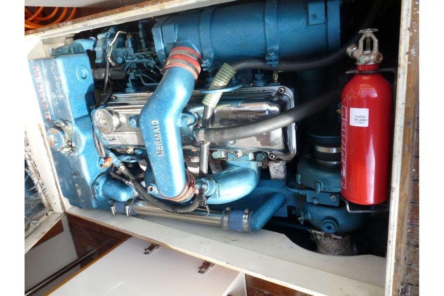 Talisman 27 - Ford Mermaid diesel engine