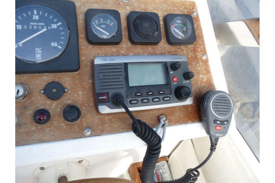 Talisman 27 - Garmin 100i VHF