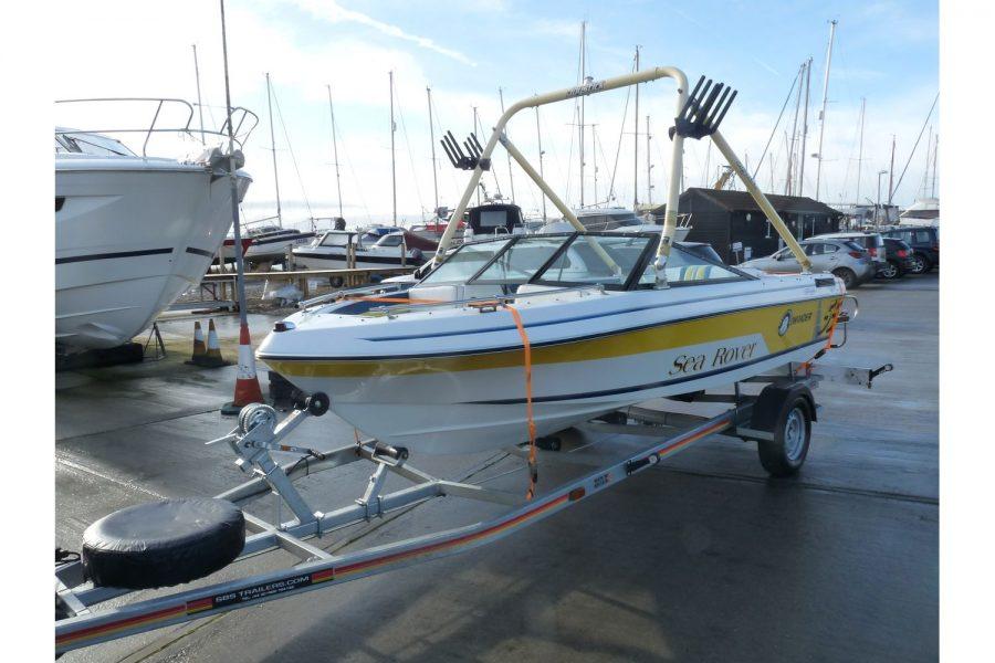 Invader 55 - Bow Rider Sportsboat