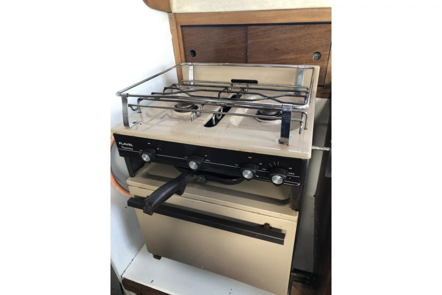 Westerly Pentland Ketch - Flavel Vanessa gas cooker