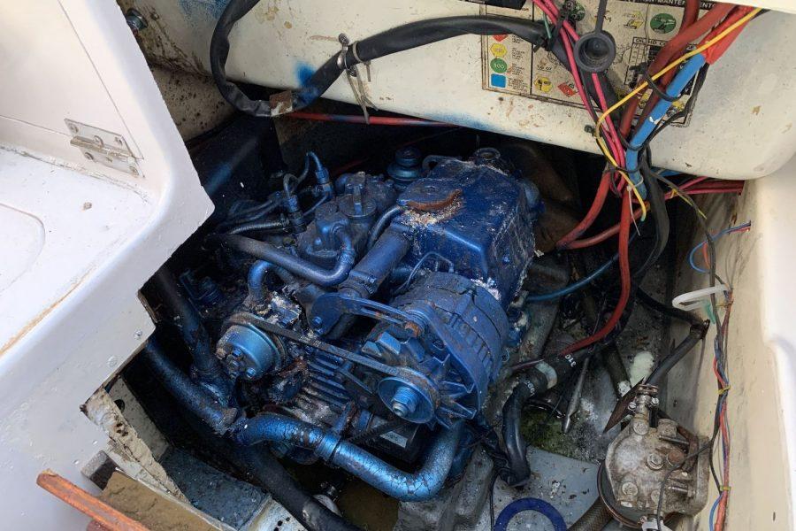 leisure 23 - Nanni 10 diesel inboard