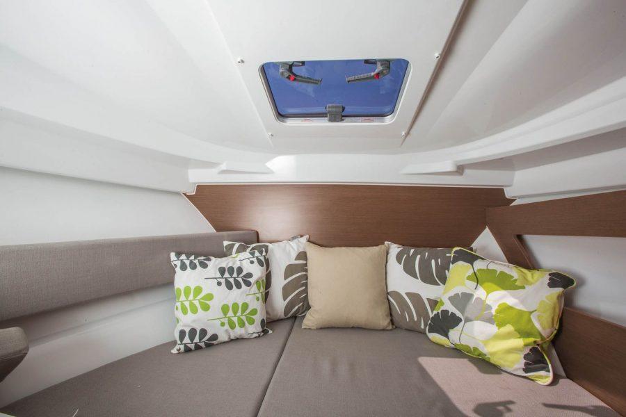 Jeanneau Merry Fisher 795 - forward cabin