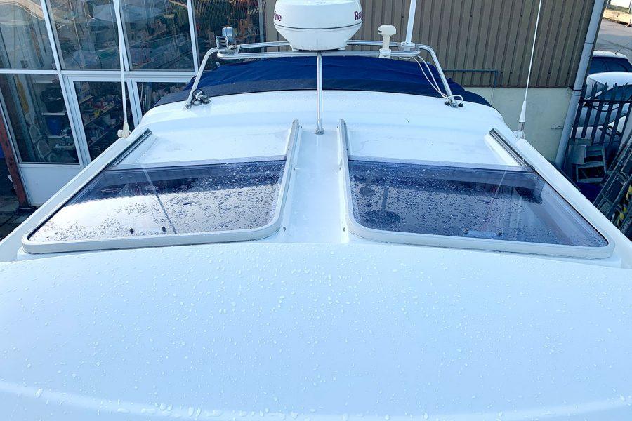 Nimbus 30c boat - wheelhouse roof hatches